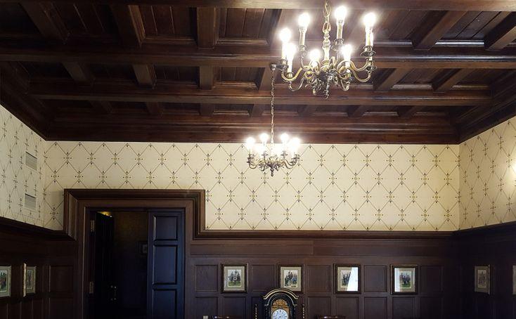 Реставрация орнамента на стене выполнена  Алексеем Прошиным.