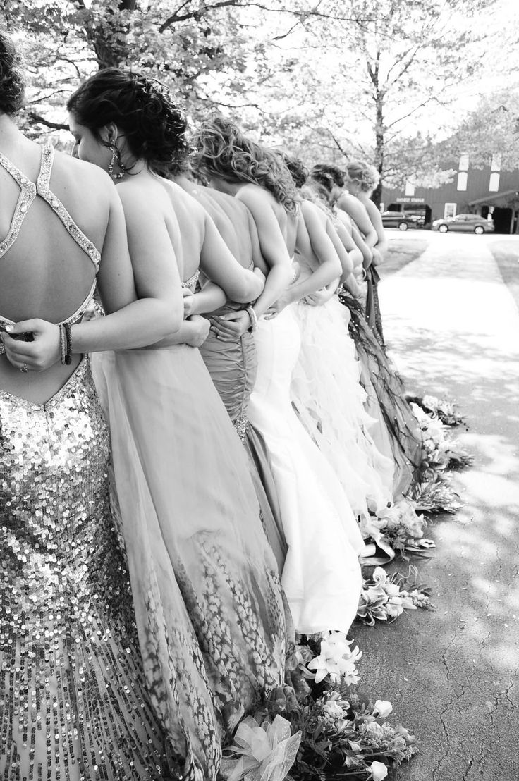 What a great idea to show off the back of everyone's gown. #prom