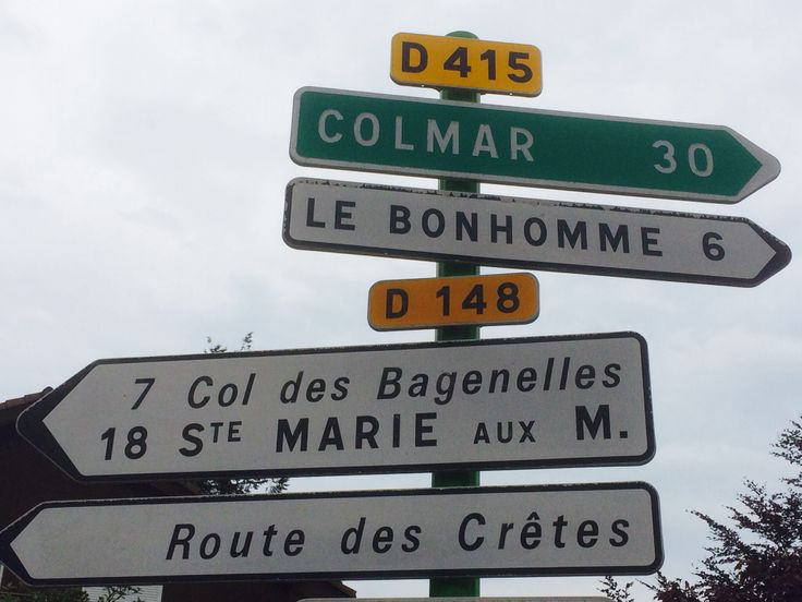 Bord op de Col du Bonhomme. Vanuit hier kun je verder naar Ste. Marie aux Mines. Wij bogen hier af richting Kayserberg (via Le Bonhomme).