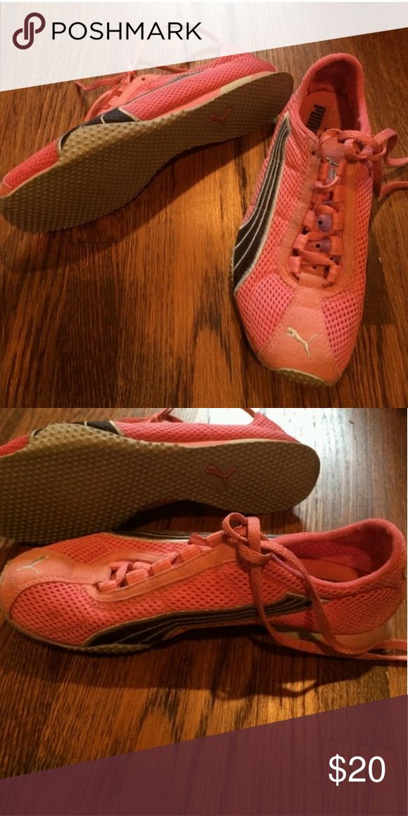 Pink Puma Tennis Shoes Very cute and comfortable pink Puma tennis shoes! Gently used. Puma Shoes Athletic Shoes