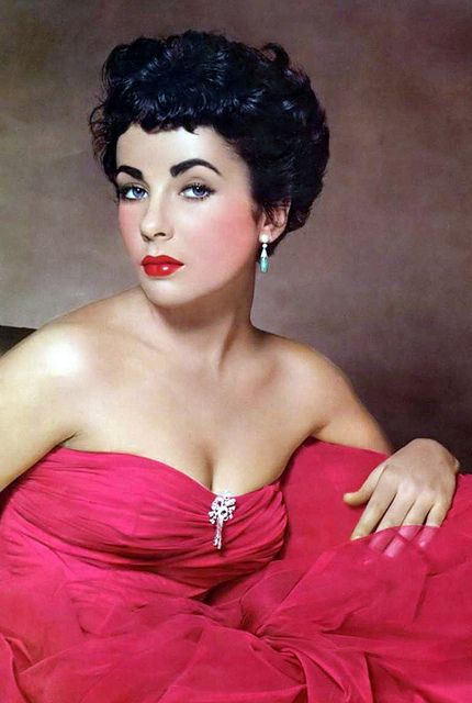 Elizabeth Taylor 50s pink tulle silk evening gown strapless party dress formal rhinestones full skirt portrait movie star vintage fashion icon