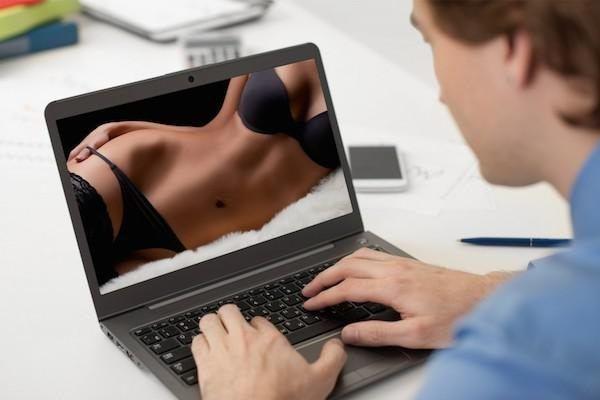 W tych krajach oglądają najwięcej porno