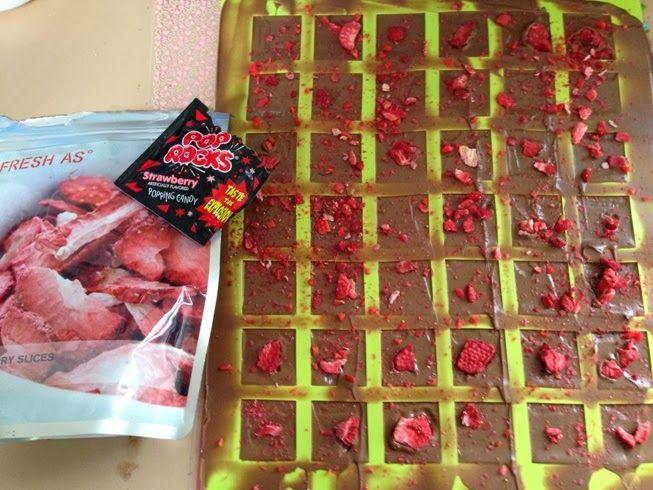 Kiwi Cakes: Strawberry pop rock chocolate goodies