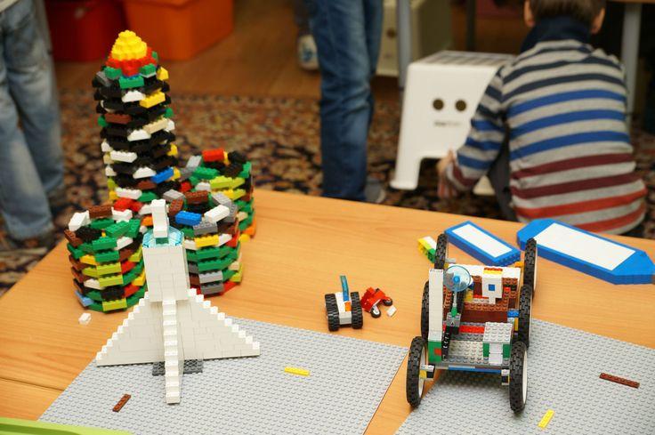 Космические аппараты из кубиков Лего