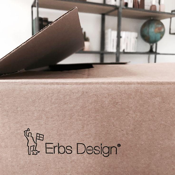 En pakke på vej🤗 #erbsdesign #handmade #danish #design #interior #dreaminteriors #inspo #boligindretning #boligmagasinet #boliginspiration #makeyourowndesign