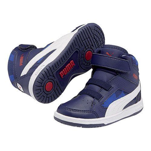 Deze Puma Rebound sneakers zijn gemaakt voor kinderen. Deze stoere sneakers hebben een klittebandsluiting. Ook hebben de schoenen een zool die demping biedt bij de landing van de voet.