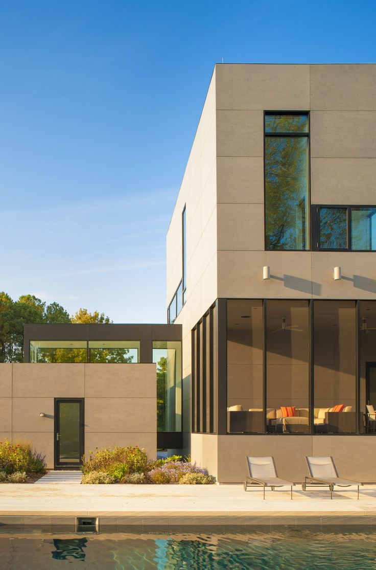House With Glass Corridors And Picturesque View Nearby the River, in Maryland, USA