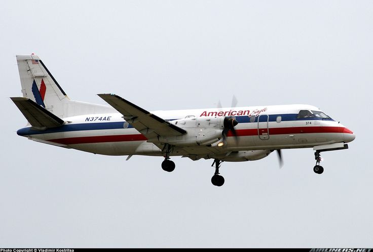Saab 340B, American Eagle, N374AE, cn 340B-374, 34 passengers, first flight 4.10.1995, American Eagle delivered 31.10.1995. Foto: Santa Barbara, United States, 1.6.2005.