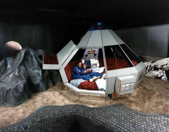 In pictures: the world's most unusual hotel beds - FantaSuite Hotel, Minnesota, USA on GlobalGrasshopper.com