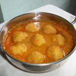 Amma's Paruppu Urundai Kulambu / Dal Dumplings cooked in a Coconut Sauce