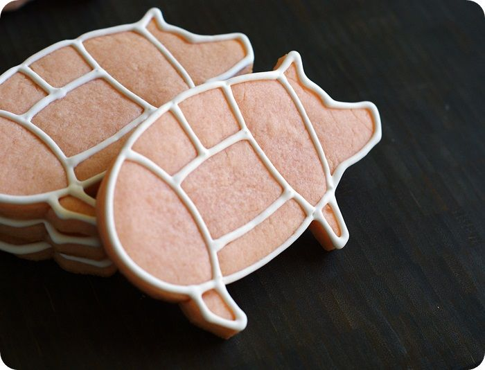 Pig cookies: What a cute idea! Use regular pig cookie cutters, and outline the cuts of meat with frosting!