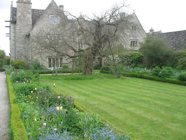 Spring garden at Kelmscott Manor. #morris #design #kelmscott