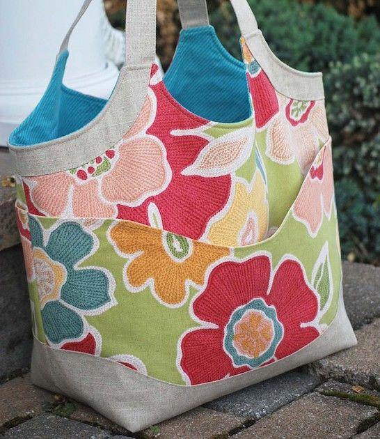 Betz White, Smile and Wave Tote sewn by Cindy