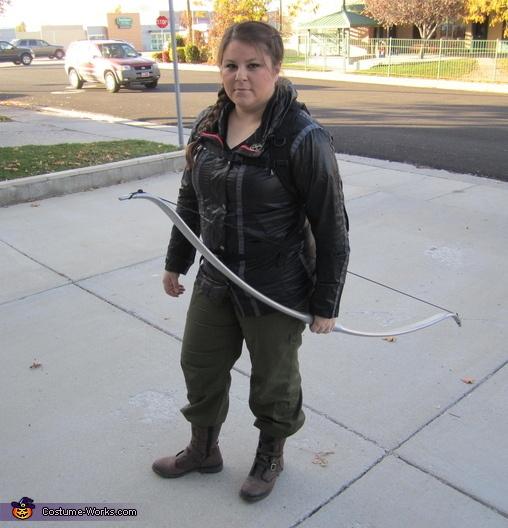 Katniss Everdeen Costume - Halloween Costume Contest