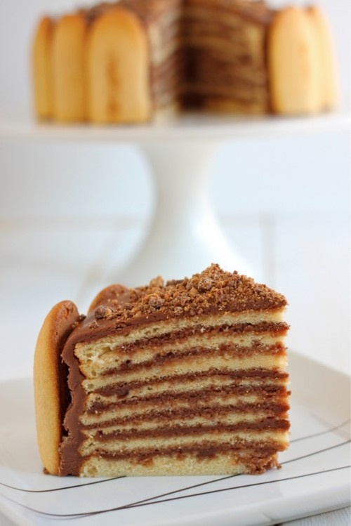 layer reese's peanut butter cup cake. | Cakes | Pinterest