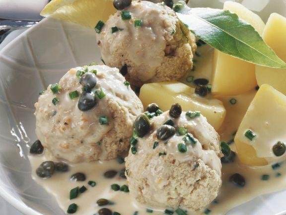 Hackfleischbällchen in Kapernsoße mit Kartoffeln (Königsberger Klopse) ist ein Rezept mit frischen Zutaten aus der Kategorie Sahnesauce. Probieren Sie dieses und weitere Rezepte von EAT SMARTER!