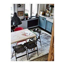 無垢材を使用しているので、使い込むほどに風合いが増します テーブル下の引き出しにはカトラリーやナプキン、キャンドルなどを収納できます