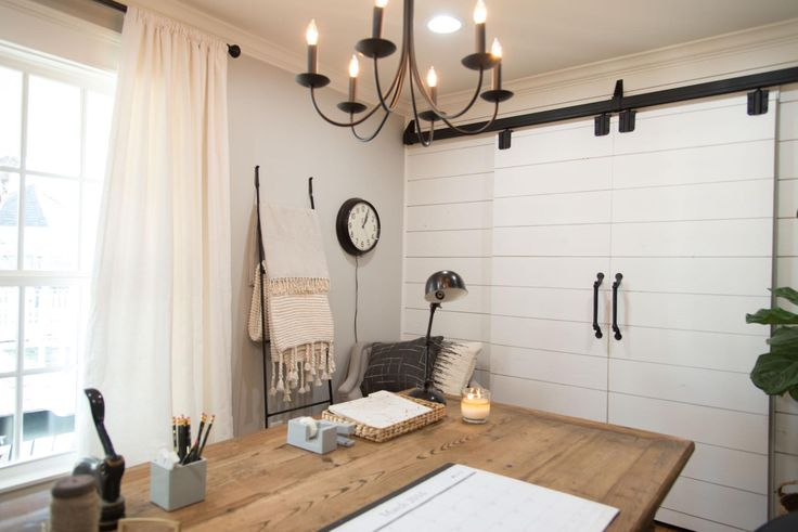 Magnolia farms fixer upper cottage house cottage house for How does fixer upper actually work