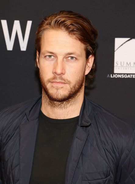 """Luke Bracey Photos Photos - Actor Luke Bracey attends the """"Hacksaw Ridge"""" DC Screening at the Navy Memorial and Naval Heritage Center on October 28, 2016 in Washington, DC. - 'Hacksaw Ridge' - Washington DC Special Screening and Q+A"""