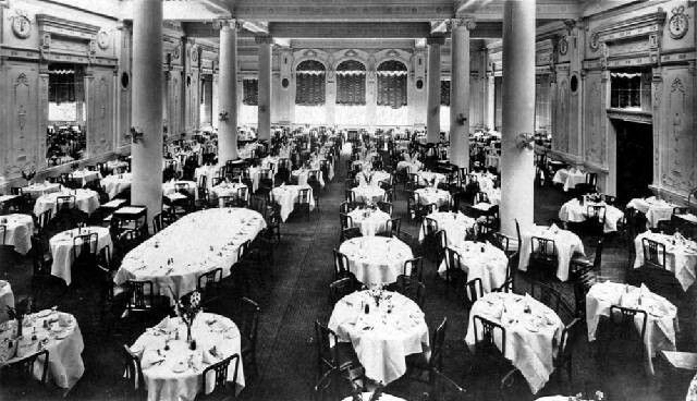 The dining room of old Menzies Hotel in Melbourne,Victoria (year unknown).