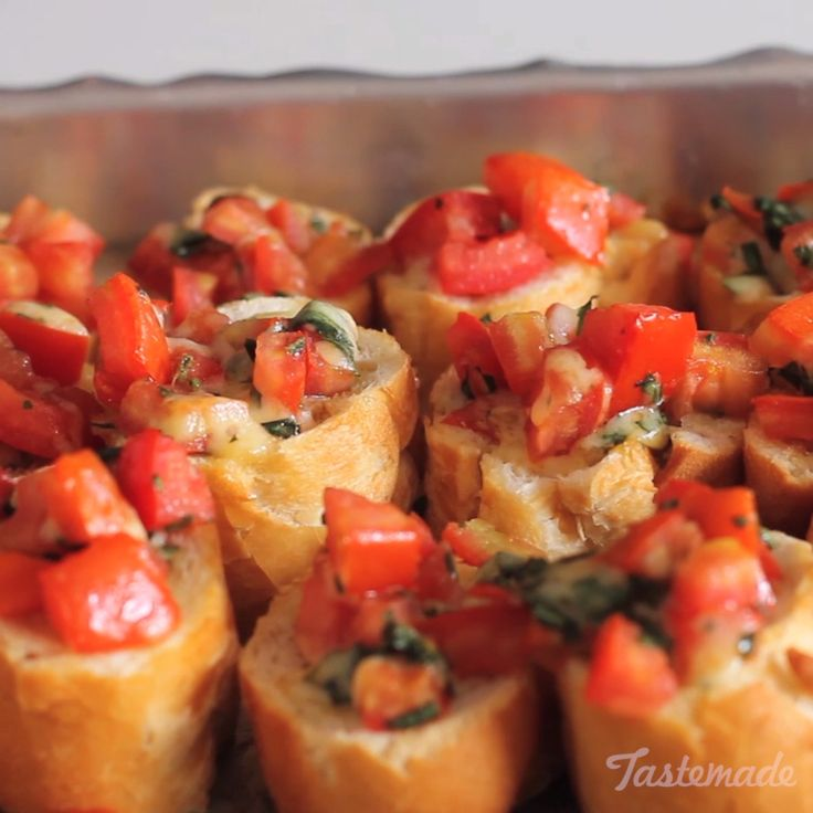 How to make tomato and basil bruscettas.