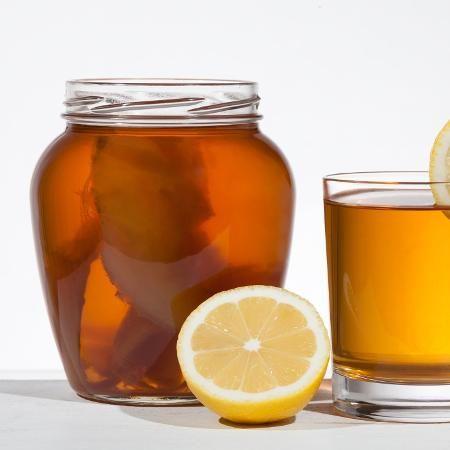 Saiba preparar o kombucha, refrigerante natural com efeito detox - 02/05/2017 - UOL Estilo de vida