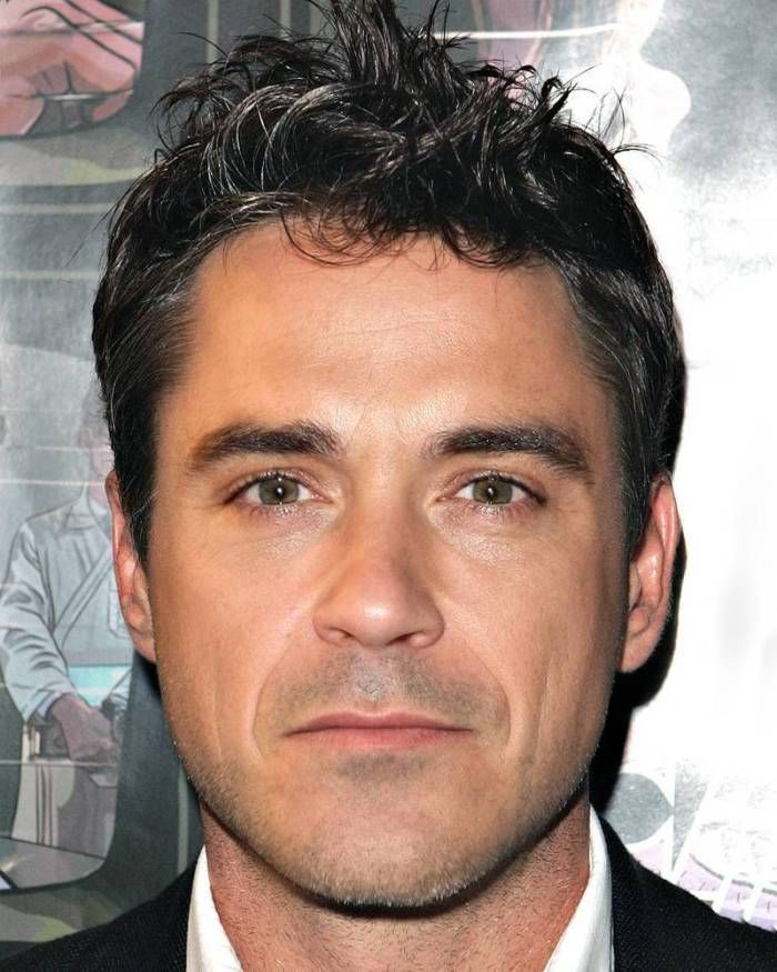Robert Downey Jr. and Robbie Williams