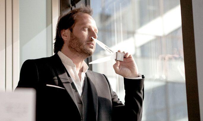 Fabrice Pellegin on tuoksunenä monen Oriflame-tuoksun takana: Giordani Gold Essenza, More by Demi ja uusimpana miesten Happydisiac Man. Haastattelimme kuuluisaa parfymööriä uusimman tuoksun kehitysprosessista.