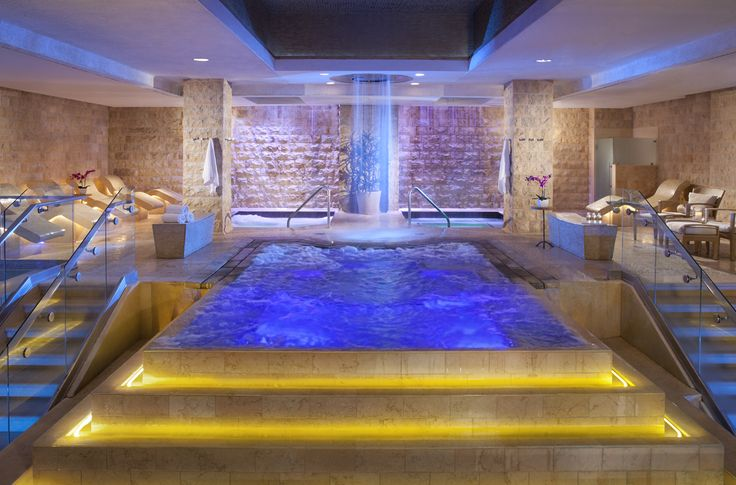 "How to do Vegas like a local: A trip to the ""Roman baths"" at Caesar's is a must."