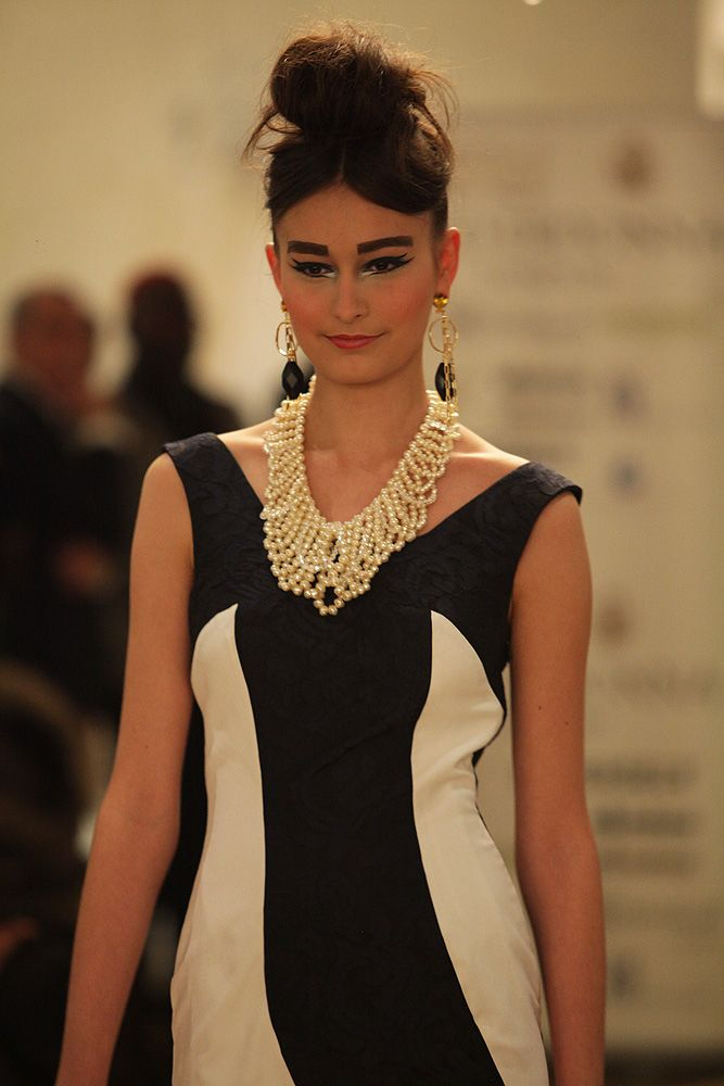 Black & white long shift evening gown and statement pearl necklace, AW2013 catwalk