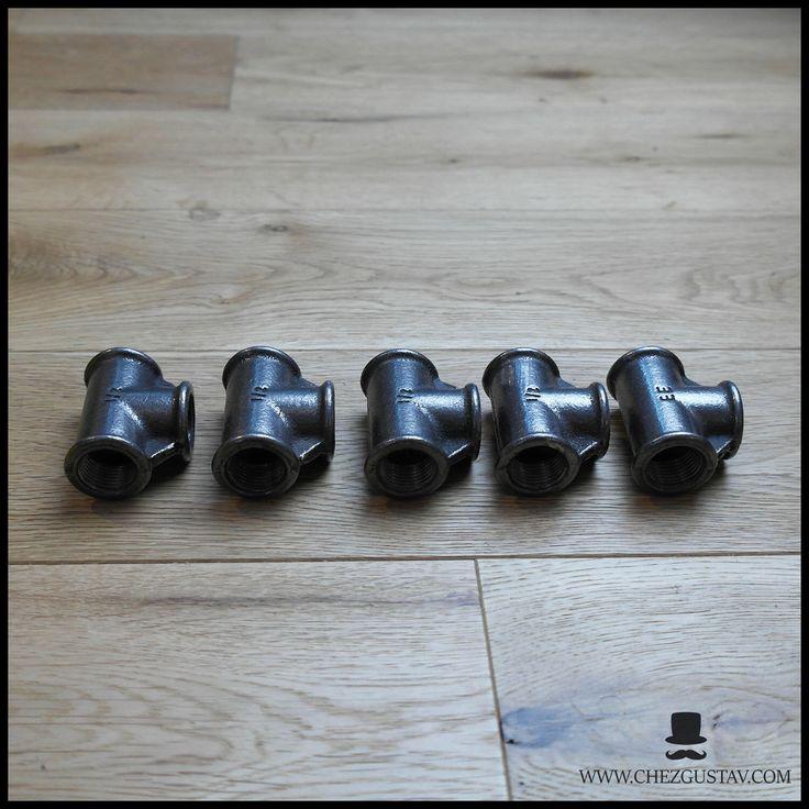 Lot de 5 Té égaux femelle 1/2' - 15/21 mm en fonte noire par ChezGustav sur Etsy https://www.etsy.com/fr/listing/542296964/lot-de-5-te-egaux-femelle-12-1521-mm-en