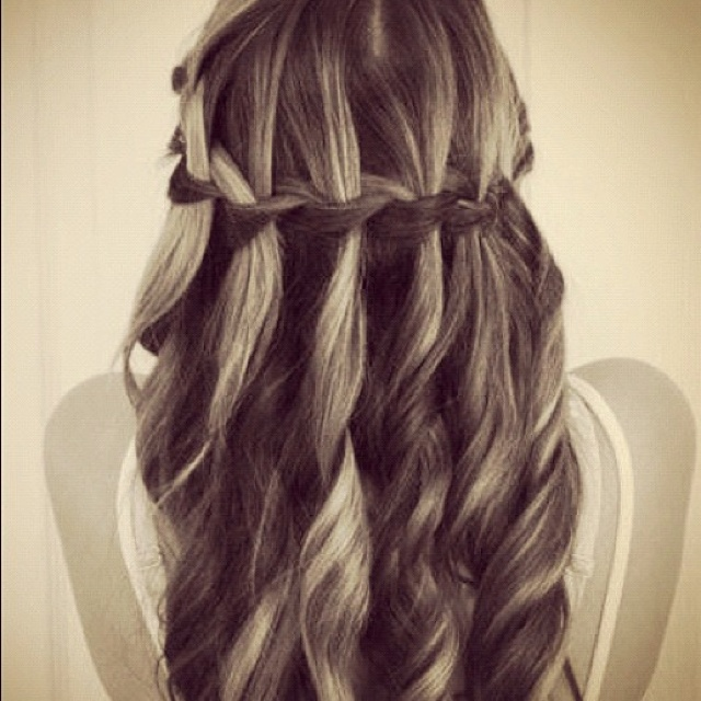 Love the curly hair waterfall braid