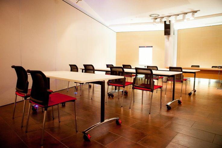 Archimede table in Bergamo  #archimede #archimedetable #table #tables #writingdesk #foldingtable #tablefor conference #meetintable #italy #bergamo