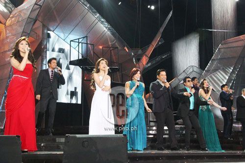 """This is Sarah Geronimo, Sam Milby, Toni Gonzaga, KC Concepcion, Martin Nievera, Anne Curtis, and Randy Santiago singing a medley of Christmas songs during the opening production number at the ABS-CBN 2011 Christmas Special, """"Da Best ang Pasko ng Pilipino"""" last December 13, 2011 at Smart Araneta Coliseum. #MartinNievera #SamMilby #SarahGeronimo #KCConcepcion #ToniGonzaga #RandySantiago #AnneCurtis #ABSCBNChristmasSpecial #DaBestPasko #DaBestangPaskongPilipino #DaBestangPaskongPinoy"""