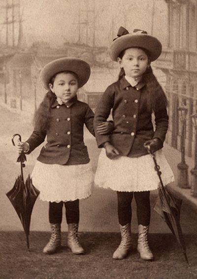 +~+~ Antique Photograph ~+~+ Sisters - if they were the same height, I'd think they were twins.