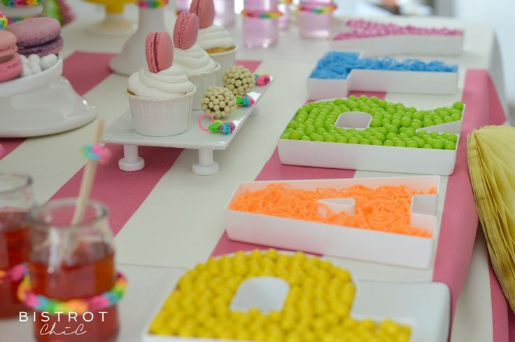 RAINBOW LOOM BANDS PARTY #dessert-table, #party-blog, #party-website #rainbow-party