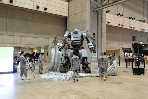 Japanese Company Creates Robot That You Can Ride And Battle In - DesignTAXI.comFit, Geek Info, Geek Girls, Almighty Kurata, Baller Gadgets, Techno Geek, Banners Years, Long Dreams, Create Robots