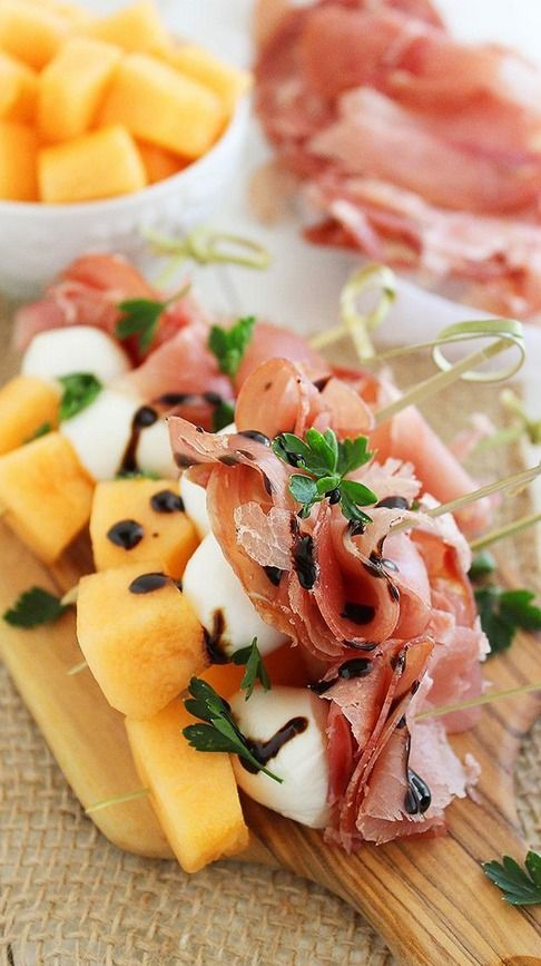 Melon, Prosciutto, and Mozzarella Skewers    #paleo