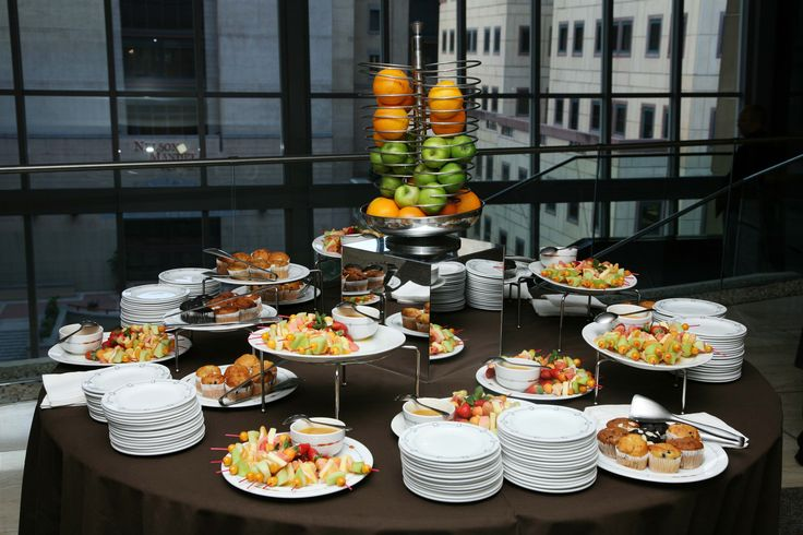 Breakfast at the Discovery Invest Leadership Summit. Conference food display.