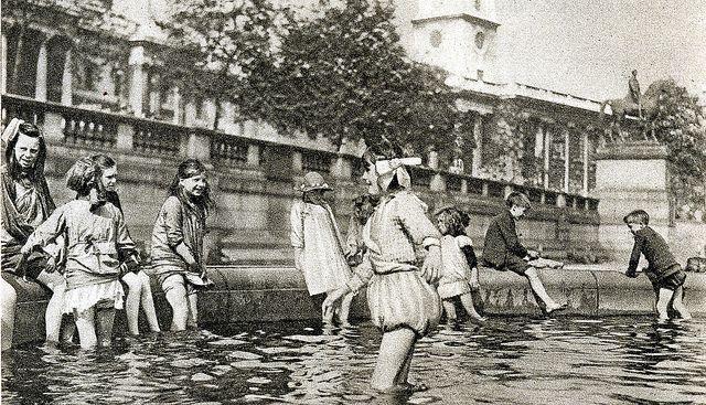 London in the 1920's-Trafalgar Square