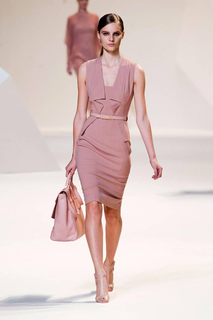 elie saab designer analysis Learn about working at elie saab join linkedin today for free see who you know at elie saab, leverage your professional network, and get hired.