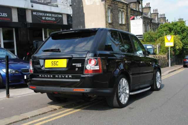 2009 Range Rover Sport 3.0 TDV6 HSE 5-door 4x4 in Santorini Black with Ebony premium leather interior. Fully maintained regardless of cost with FSH.