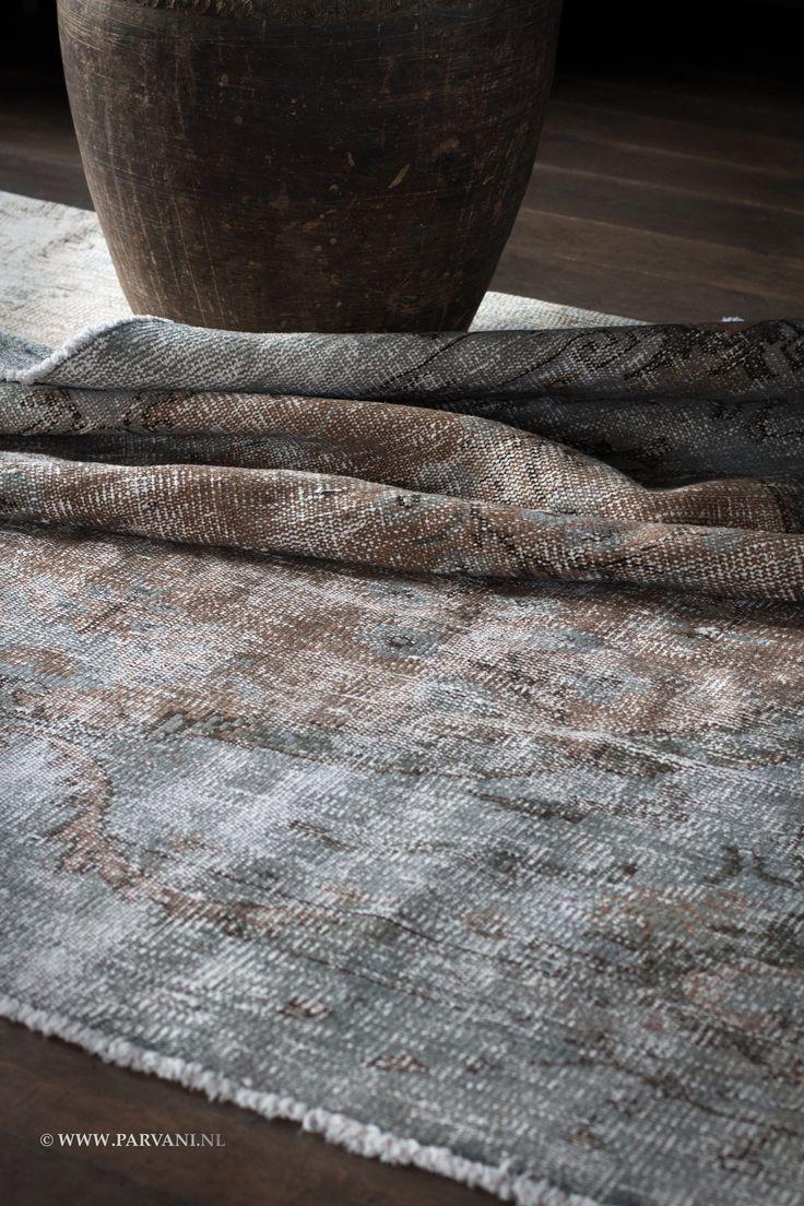 Parvani | Vintage-tapijt-grijs-groen-bruin