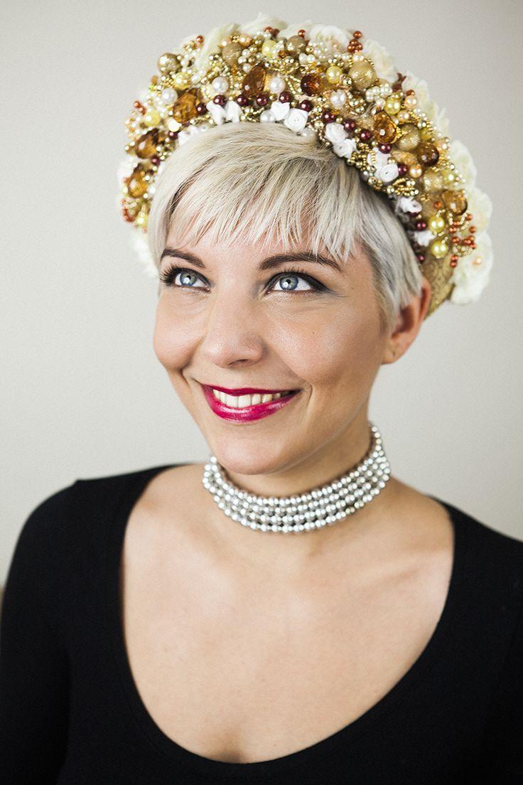 Golden bridal headband.