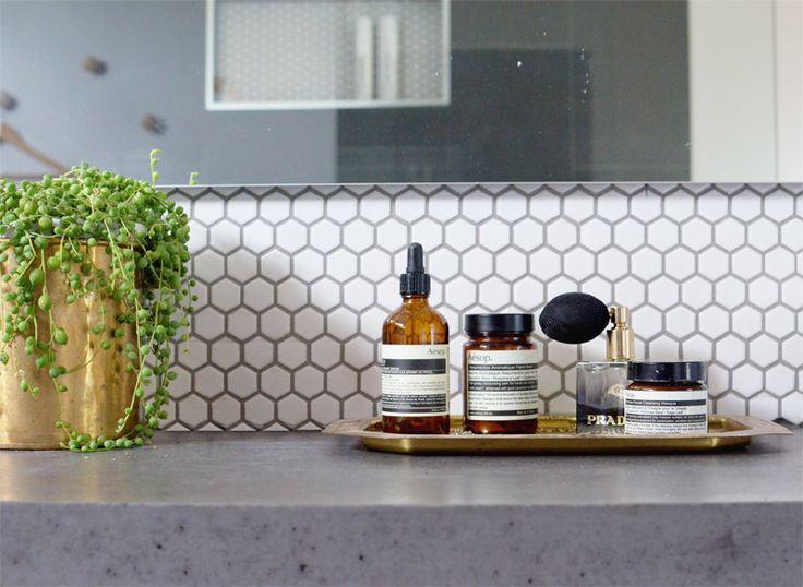 hexagon splashback, cement benchtop