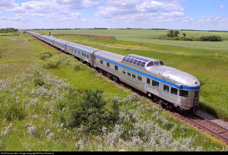 RailPictures.Net Photo: VIA 6407 VIA Rail GMD F40PH-3 at Justice, Manitoba, Canada by Paul Sincerny