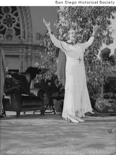 Fanatic for Jesus: Aimee Semple McPherson: Her Impact on the Third Wave Movement