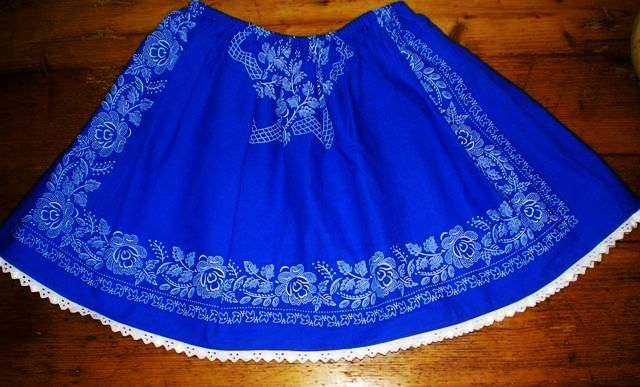 Little skirt in blue for children.