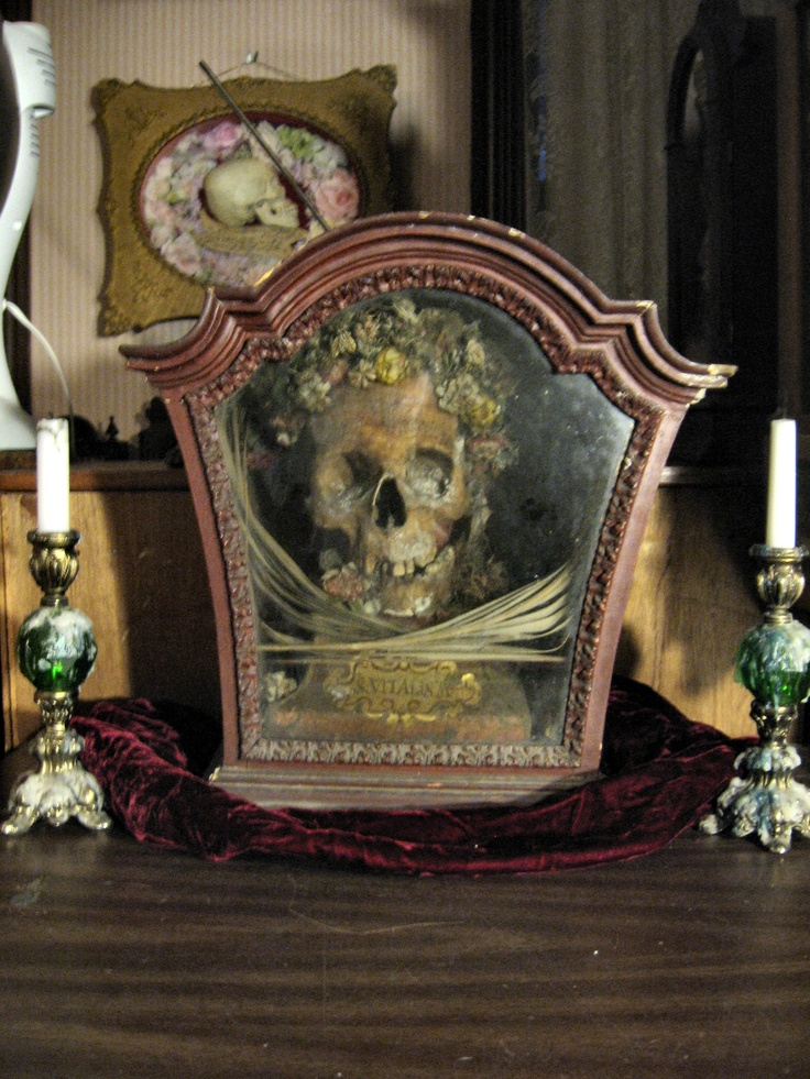 Medieval Skull of Saint Vitalis of Assisi, Obscure Catholic Saint from the 14C. Patron Saint against sicknesses and diseases affecting the genitals.