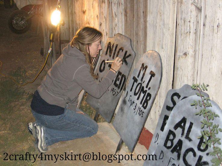 2 Crafty 4 My Skirt: Halloween Grave Yard